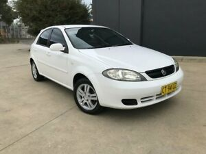 2006 Holden Viva JF Hatchback 5dr Auto 4sp 1.8i White Automatic Hatchback Villawood Bankstown Area Preview