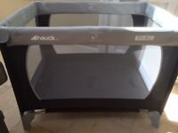 Hauck Play n Relax Travel Cot in excellent condition