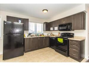 STUDENT ROOMS FOR RENT GROUPS OR INDIVIDUALS WELCOME !!! Kitchener / Waterloo Kitchener Area image 5
