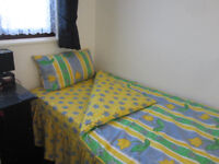 Single Bed size 3 piece quilt cover with matching valence and pillowcase
