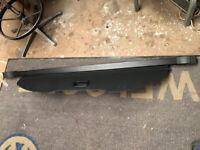 VW Beetle Parcel shelf retractable luggage cover - Black