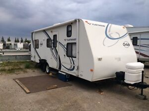 2006 Fleetwood Orbit Expandable Hybrid 260XP