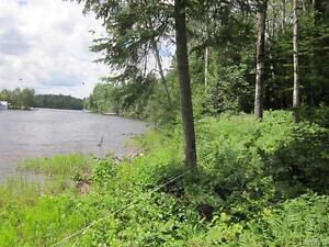 Terrain en bordure du lac Kénogami (Baie des Trèfles), Saguenay Saguenay-Lac-Saint-Jean image 5