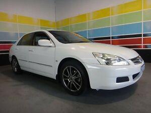 2004 Honda Accord 40 VTi White 5 Speed Automatic Sedan Wangara Wanneroo Area Preview