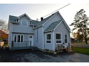 4 BED/2 BATH (2200+ SQ FEET) HOUSE FOR RENT!