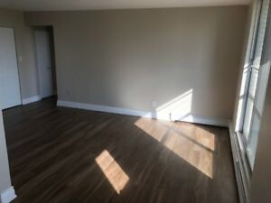 TODAY ONLY - 4th Floor 1 Bedroom Apartment for Rent