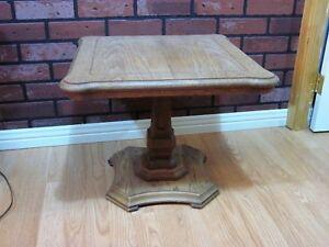 Belle Table Basse à Café Antique