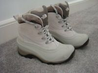 UNISEX SNOW BOOTS UK SIZE 7