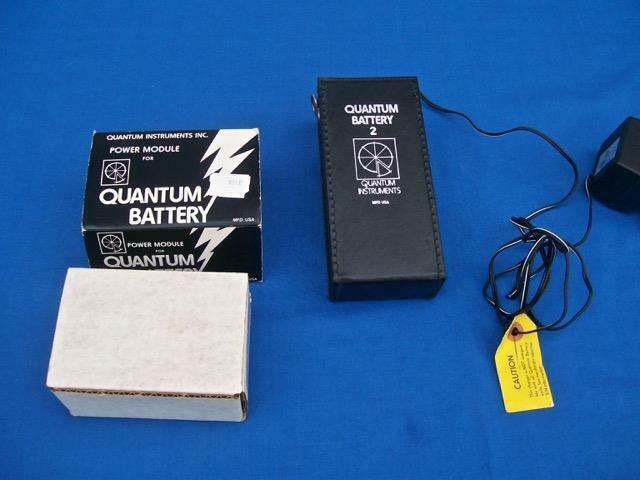 QUANTUM BATTERY 2 WITH POWER MODULE FOR DIGITAL CAMERAS & FLASH