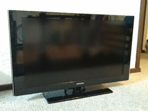 """Samsung 40"""" LCD TV LN40A530 - PRICE REDUCED"""