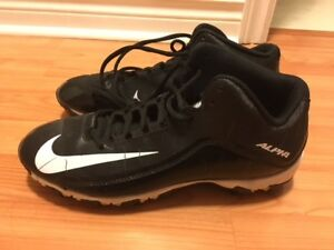 Nike football cleats size 8