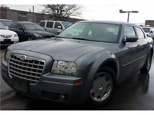2006 Chrysler 300 V6 MINT****WE DEAL WITH EVERY CREDIT SITUATION