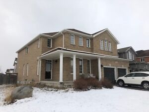 Barrie, Executive 4 bedroom, 2.5 Bath, in South West End