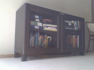 Neat design TV Stand with Shelves