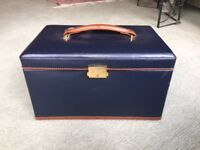 Beautiful Leather Jewellery Box. Very Good Condition. Never used.