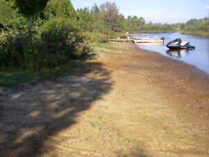 2 Chalets à vendre bord de l`eau Lac Nominingue