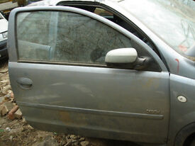 corsa d 1.4 automatic door color z163 breaking near Gatwick