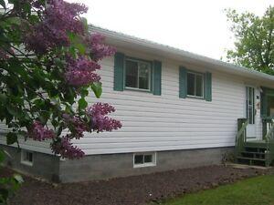 Maison/Chalet du 15 sept au 15 juin/$600/mois Plus