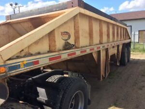 GOOD USED DECAP CROSSGATE / BELLY DUMP GRAVEL TRAILER