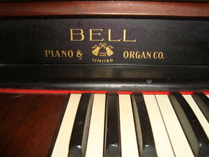Pump Organ Peterborough Peterborough Area image 2