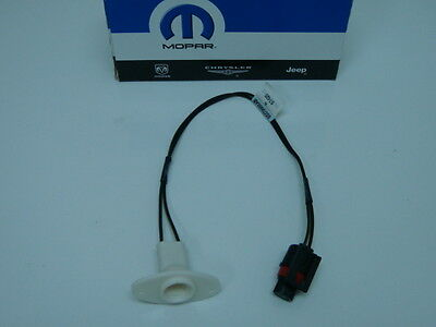 DODGE RAM TRUCK PICKUP 1994 - 2001 LICENSE PLATE LIGHT WIRING SOCKET MOPAR NEW