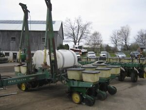 John Deere 7000 Planter Cambridge Kitchener Area image 1
