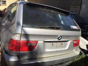 WRECKING A BMW X5 2004 FOR PARTS
