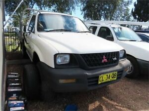 2001 Mitsubishi Triton MK Club Cab 4x2 White 5 Speed Manual Utility Minchinbury Blacktown Area Preview