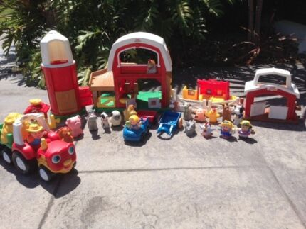 FISHER PRICE LARGE FARM SET AS NEW CONDITION Gold Coast Region Preview
