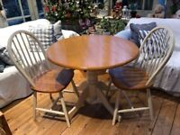 Pedestal Dining Table with Drop Leaves and 2 Chairs