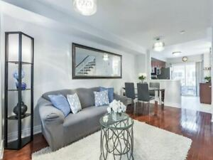 GAORGEOUS & AMAZING VALUE 3 BR TOWNHOUSE IN PRIME PICKERING!