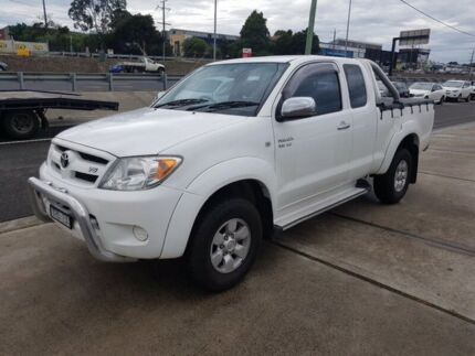 2005 Toyota Hilux GGN25R SR5 (4x4) 5 Speed Manual X Cab Pickup Dandenong North Greater Dandenong Preview