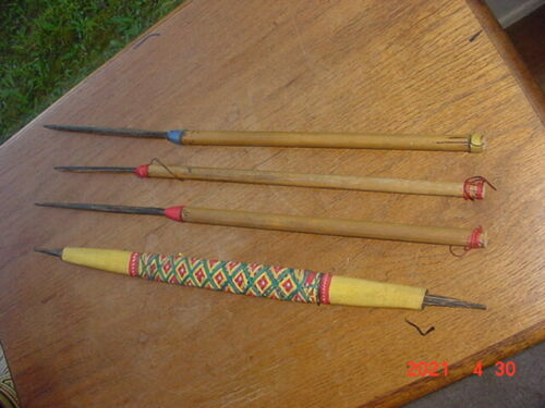 SMALL VINTAGE AMAZONIAN JIVARO INDIAN BOW AND ARROW SET FROM PERU