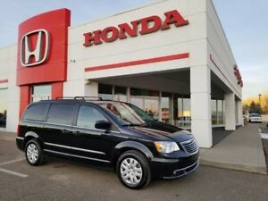 2016 Chrysler Town & Country Touring - REDUCED PRICE