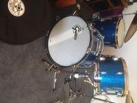Gretsch drum kit broadkaster blue glass glitter drums in vintage style
