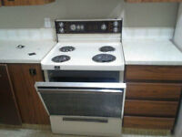 Almond Stove and Almond DIshwasher