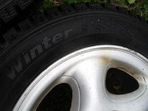 BARLEY USED SET 4 W/RIMS WINTER TIRES