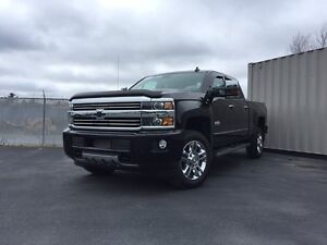 2016 Chevrolet Silverado 2500HD High COUNTRY w/DURAMAX/CREW CAB/
