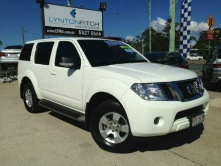 2011 Nissan Pathfinder R51 MY10 ST White 5 SPEED Semi Auto Wagon Southport Gold Coast City Preview
