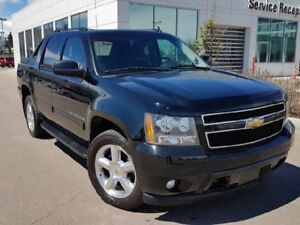 2009 Chevrolet Avalanche 4WD CREW CAB Sunroof, Backup Camera, A/