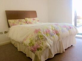 YOU NEED A CHEAP ROOM CLOSE TO STREATHAM STATION?-LOOK THIS!-COUPLES ACCEPTED!