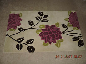 Modern Rug - Floral Design- Ultimate Rug Company - 100% Wool- 153cm x 92cms- New