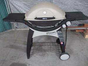 LARGE WEBER FAMILY Q lpg *with extras Sydenham Marrickville Area Preview