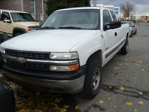 1999/2002 Silverado for parts/pièces (GMC)
