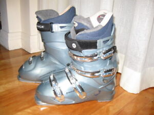 Lange Ven-S 70 Softech Performance Womens Fit Ski Boot Size 26 o