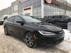 2015 Chrysler 200 S SDN FWD V6 *SUNROOF/REARVIEW CAMERA/HEATED S