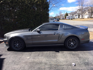 2014 Ford Mustang GT 5.0l Coupe (2 door)