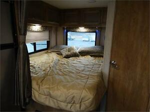 24 foot Class C Motorhome with Slideout and Luxury Package! Kitchener / Waterloo Kitchener Area image 6