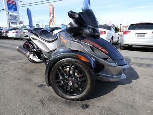 2011 CAN AM SPYDER RS-S SE5 (SEMI-AUTOMATIQUE, 13,000 KM, WOW!!)