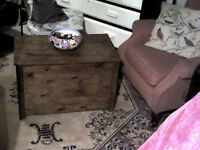 PINE TRUNK COFFEE TABLE/STORAGE TRUNK/HALLSEAT